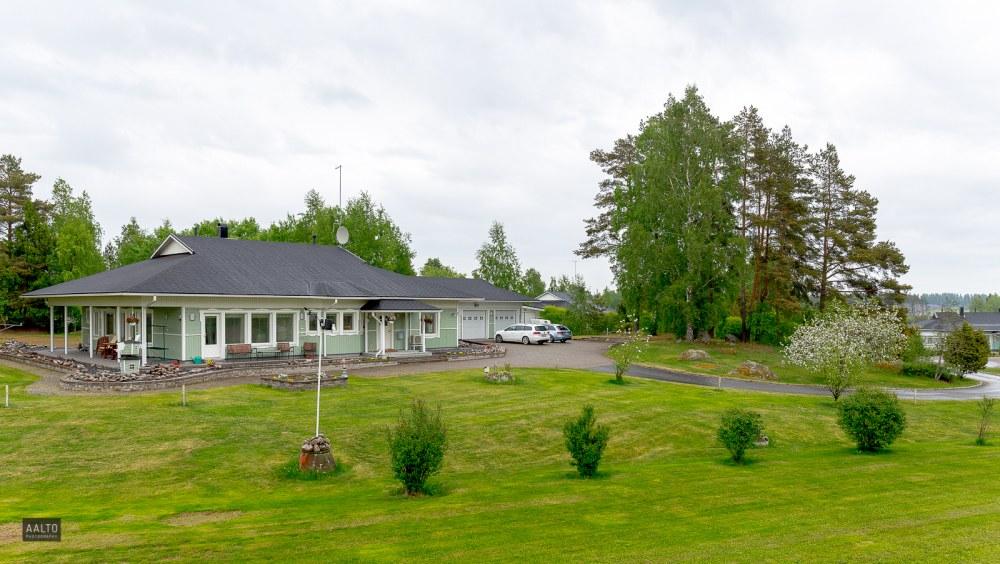 garden_nordic_style_home